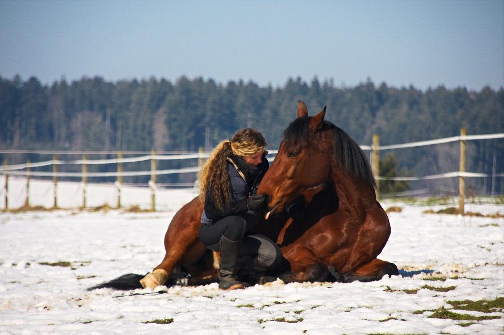 Ravi und Susanne auf der Winterkoppel