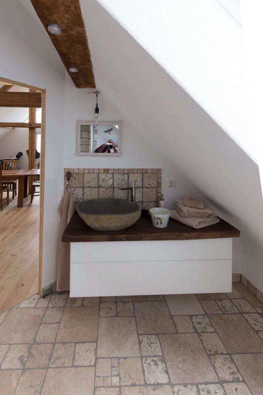 Unser schönes Stein-Waschbecken im Badezimmer
